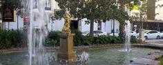 Fuente de Neptuno - Jardines de El Parterre.....Esta fuente se ubica en los Jardines del Parterre. La figura central es obra barroca en mármol de Giacomo Antonio Ponzanelli realizada en el siglo XVIII. Representa al dios del mar llevando su tridente en la mano, que representa el cetro que le fue entregado por los ciclopes como emblema de su poder. A sus pies un animal mitológico semejante a un pez con una larga cola.  Esta figura procede del desaparecido Huerto del canonigo Pontons, donde…