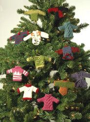 Knit Miniature Sweater Ornaments for you Christmas tree this year! These knitting projects are perfect little Christmas ornament crafts.