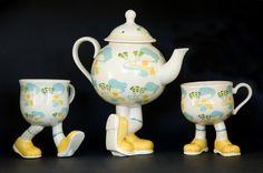 Carlton Ware Walking Ware Cross Legged Tea Pot & 2 cups (Sold)