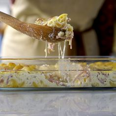 Recipe with video instructions: Forget sandwiches — enjoy ham and cheese in a warm baked pasta dish instead. Ingredients: 2 eggs, 2 cups milk, Salt to taste, Nutmeg to taste, 10 ounces. Noodle Casserole, Casserole Recipes, Easy Desserts, Dessert Recipes, Cheese Noodles, Tastemade Recipes, Tasty, Yummy Food, Moist Cakes