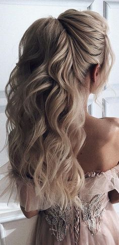 10 Head Turning Prom Hairstyles Updos for Long Ha .- 10 Head Turning Prom Frisuren Hochsteckfrisuren für lange Haare 2018 – Eventplanung 10 head turning prom hairstyles updos for long hair 2018 - Prom Hairstyles Updos For Long Hair, Best Wedding Hairstyles, Ponytail Hairstyles, Hairstyle Ideas, Hairstyles 2018, Prom Hairstyles Half Up Half Down, Prom Updo, Prom Hairstyles For Long Hair Curly, Half Pony Hairstyles