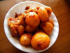 spicy, garlic baby potatoes by The Yum Factor, via Flickr