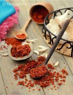 Dry Garlic Chutney recipe | Indian Chaat Recipes | by Tarla Dalal | Tarladalal.com | #2860