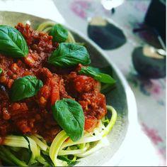 HandsOffMyFood: VEGAN VIBES: Lentil Bolognese! #yummie #tomatensausvoorgenieters