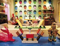 Casinha colorida: Na casa/atelier de Antonio de Felipe