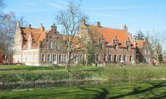 Tøløsegård idag Efterskole. Ved Holbæk.