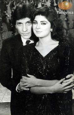 #Televisa Victoria 1987 aunque solo pude ver retazos de esta historia me gusto mucho verla actuar con Gaby.