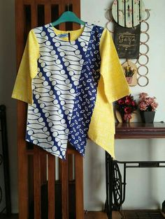 Batik Kebaya, Kebaya Dress, Blouse Dress, Blouse Batik, Batik Dress, Kurti Neck Designs, Blouse Designs, Dress Batik Kombinasi, Blouse Pattern Free