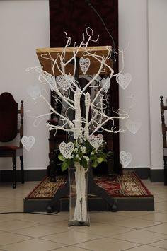 Altar Flowers, Church Flowers, Catholic Confirmation, First Holy Communion, Wedding Goals, Pink Candy, Plant Hanger, Ladder Decor, Flower Arrangements