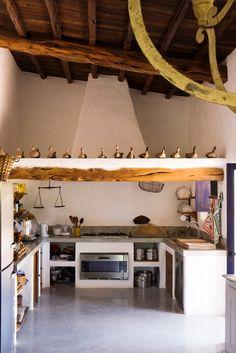 Adriano Bacchella - Homes & HotelsAdriano Bacchella Rustic Kitchen, Country Kitchen, Kitchen Decor, Kitchen Design, Kitchen Storage, Sweet Home, Rural House, Tadelakt, Loft Interiors