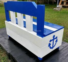 Now here is the look of repurposed wood pallet chest from the back side. It is painted white from the back and it can be painted with any funky color as well. The paint brush is utilized to draw the paintings on it and a person is free to draw anything on the chest.