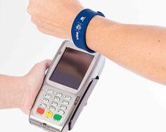 O Que é e Como funciona a Pulseira NFC Ourocard Banco do Brasil: A evolução do Cartão de crédito Phone, Shopping, Creative Inventions, Bench Seat, Bracelets, Brazil, Telephone, Mobile Phones