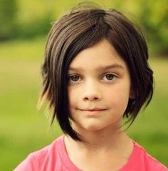 25 Cute and Adorable Little Girl Haircuts - Haircuts & Hairstyles 2020 Little Girl Bob Haircut, Bob Haircut For Girls, Little Girl Hairstyles, Toddler Hairstyles, Medium Hair Cuts, Short Hair Cuts, Medium Hair Styles, Short Hair Styles, Girls Short Haircuts Kids