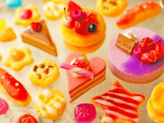 Candy Phone Cases, Clay Art, Sweets, Deco, Desserts, Collection, Food, Tailgate Desserts, Deserts