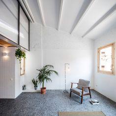 RÄS studio used rediscovered attic space for a new mezzanine floor in la Domenique apartment remodel Attic Wardrobe, Attic Closet, Attic Playroom, Attic Office, Attic Renovation, Attic Remodel, Attic Doors, Attic Window, Barcelona Apartment