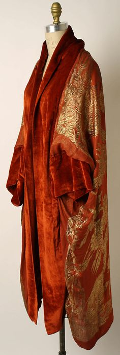 This 1920's silk coat by Liberty of London has something of the 18thC Gentleman's Banyan about it. It is utterly gorgeous! Liberty of London, 1920s Culture: French Medium: silk