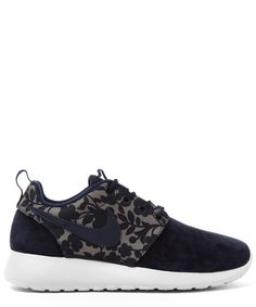 Nike x Liberty Obsidian Cameo Print Roshe One Trainers and other apparel, accessories and trends. Browse and shop 16 related looks. Lace Sneakers, Lace Up Shoes, Me Too Shoes, Nike Trainers, Sneakers Nike, Style Personnel, Roshe Shoes, Nike Roshe Run