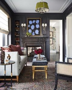Summer living room decor - This Chicago Apartment's Before And After Transformation Will Make Your Jaw Drop – Summer living room decor Living Room Decor Traditional, Traditional Interior, Traditional Kitchens, Style At Home, Chic Master Bedroom, Master Bath, Living Room Designs, Living Spaces, Living Rooms