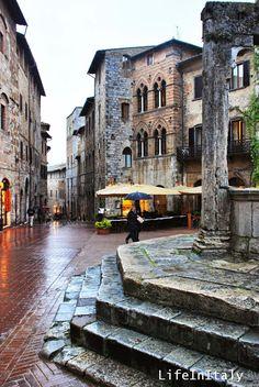 Piazza della Cisterna # San Gimignano # Italy