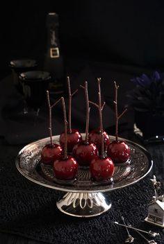 今が旬のりんごを使ってキャンディアップル(りんご飴)を 大人ヴァージョンにアレンジしてみました。