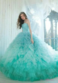 Este povestea unei fete care este răpită datorită faptului că este co… #dragoste # Dragoste # amreading # books # wattpad Ombre Prom Dresses, Pretty Prom Dresses, Unique Prom Dresses, Blue Wedding Dresses, Quinceanera Dresses, Ball Gowns Prom, Ball Gown Dresses, Party Wear Dresses, Cute Dresses For Party