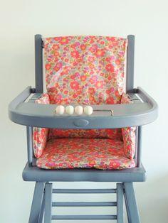 Coussin de chaise haute en Liberty enduit Betsy Fluo thé www.demeuredesanges.canalblog.com