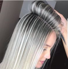 blaine holmes (: The Effective Pictures We Offer You About ash blonde balayage highlights A quality Blonde Hair Looks, Brown Blonde Hair, Gray Hair Highlights, Platinum Blonde Highlights, Full Highlights, Platinum Blonde Hair, Ash Blonde Balayage, Ombre Hair, Dyed Hair