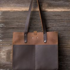 Leather Pocket Tote in tobacco