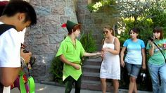 Disneyland Magical Moment with Peter Pan (Spieling Peter) and Captain Hook