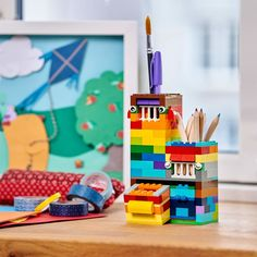 Find free building ideas and inspiration from LEGO® Classic! Fun new builds from our designers every month for creative building for all ages and stages Lego Duplo, Lego Moc, Lego Desk, Lego Table, Legos, History Of Lego, Lego Games, Lego Activities, Lego Craft
