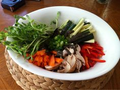 """I'd Like To Take A Trip To Thailand"" Kelp Noodle Bowl (Raw, Vegan)"