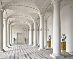 Massimo Listri - Works - Perspectives