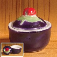Sugar Bowl with Cherry Leaf Lid