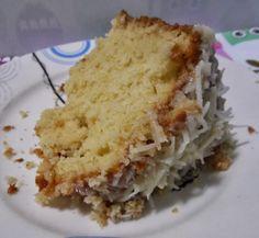 BOLO DE COCO COM LEITE CONDENSADO - Receitas Culinárias