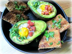 Stacey Snacks: What's for Breakfast? Stuffed Avocado w/ Bacon & Egg