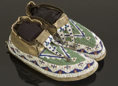 Sioux Indian Clothing | American Indian Art > .Plains > Clothing & Footwear