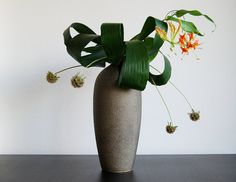 Ikebana 'Glorious Gloriosa' by Otomodachi, via Flickr