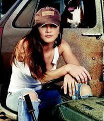 Redneck Girl Gretchen Wilson: http://www.gretchenwilson.com/