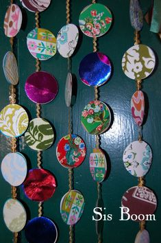 Diy christmas cards 286823070001891502 - could use old christmas cards to make tree garland… Source by witchymommy Christmas Card Crafts, Homemade Christmas Cards, Old Christmas, Christmas Cards To Make, Handmade Christmas, Holiday Crafts, Christmas Ornaments, Recycled Christmas Cards, Christmas Vacation