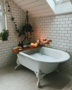 Bathroom home decor | Claw foot tub | Bathrooms style | Subway tile | Home decor for the bathroom | Bath interior design
