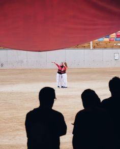 Matí de preparatius   . Sou a la Tarraco Arena? Animeu-vos i participeu a al Concurs fotogràfic d'instagram del Concurs Casteller!  BASES PER PARTICIPAR  1) Penjar fotografies del Concurs de Castells (realitzades entre el 25 de Setembre i 9 d'Octubre) 2) Ser seguidor de @ConcursCastells @TGNcultura i @EstrellaDammCat 3) Etiquetar les imatges en el títol amb #ElmeuConcurs  4) Veure resta de Bases a l'enllaç de la meva BIO.  . #estrelladammCat #concurstgn2016
