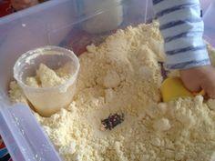 sable de lune : 8 tasses de farine et 1 d'huile pour bébé