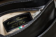 Tracolla in VERA PELLE 100% Made in Italy acquistabile su:  www.ilmiouomo.com/it/shopping/pelletteria/borse-da-lavoro/tracolla-in-cuoio-180-detail #ilmiouomo #theitaliangentleman #shopping #Italy #dubai #madeinitaly #mydubai #toscana #style #look #fashion #italianstyle