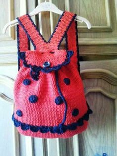This ladybug purse is TDF.Handmade shop with unique gifts for every lovely person by UniqueGiftLandShop for backpack on Etsy, the place to express your creativity through the buying and selling of handmade and vintage goods. Crochet For Kids, Crochet Baby, Knit Crochet, Crochet Handbags, Crochet Purses, Crochet Ladybug, Crochet Backpack Pattern, Knitted Bags, Crochet Gifts
