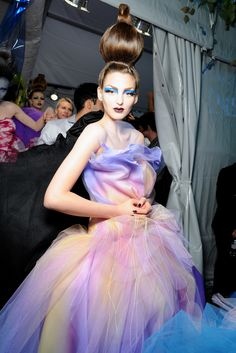 Christian Dior Fall 2010 Couture, absolutely gorgeous use of Organza.