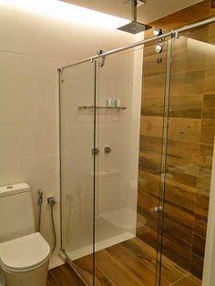 banheiros com pisos porcelanato madeira - Buscar con Google