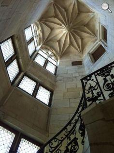 Escalier Palais Jacques Coeur - Bourges. Centre