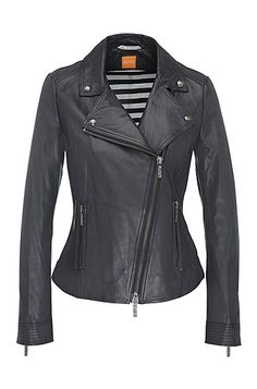 This waisted-fit BOSS Orange women's leather jacket in biker style introduces rock appeal to your wardrobe. It has a large lapel collar and an asymmetric zip. Beautiful decorative stitching on the hem and sleeves emphasises the high level of its craftsmanship. The striped lining gives the style a sporty touch.