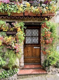 Flower cottage in Antibes (Provence), France