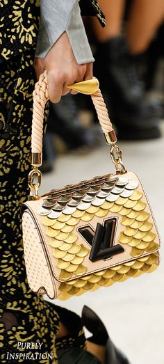 Louis Vuitton SS2017 Women's Runway Details | Purely Inspiration
